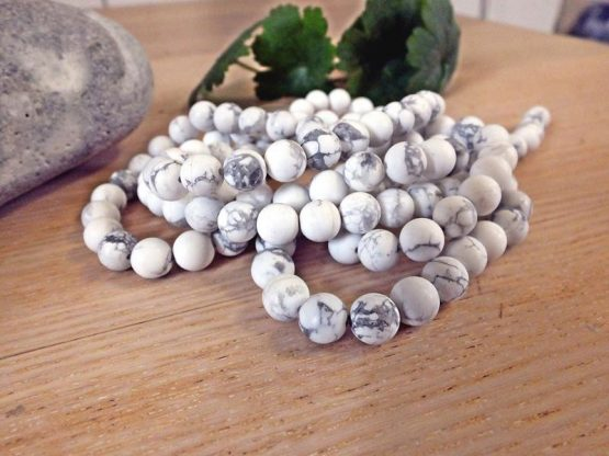 perles howlite blanche