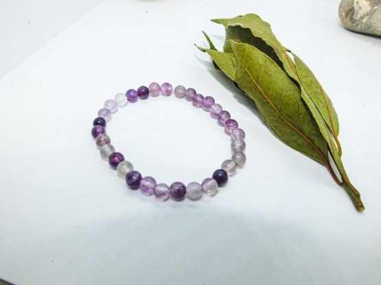 bracelet perles fluorite violette naturelle