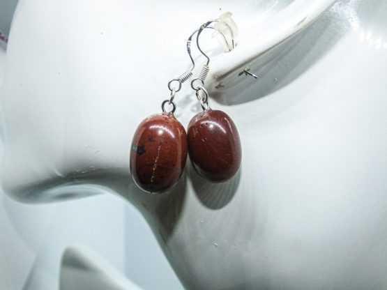 pierre de jaspe rouge boucles