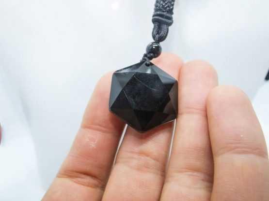 pendentif talisman obsidienne noire