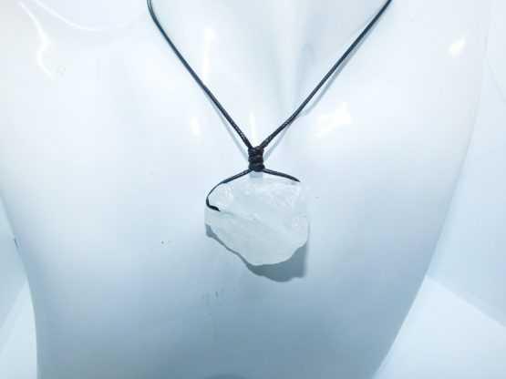 pendentif cristal de roche brut