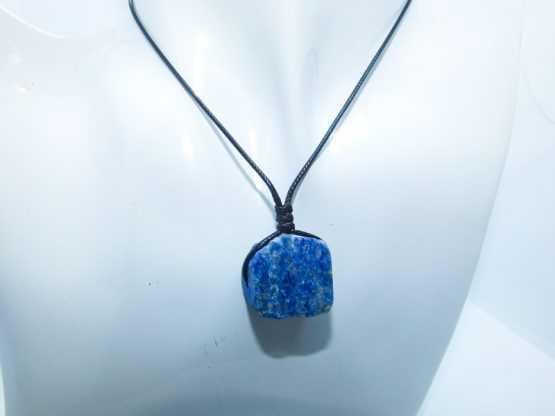 pendentif lapis lazuli brut