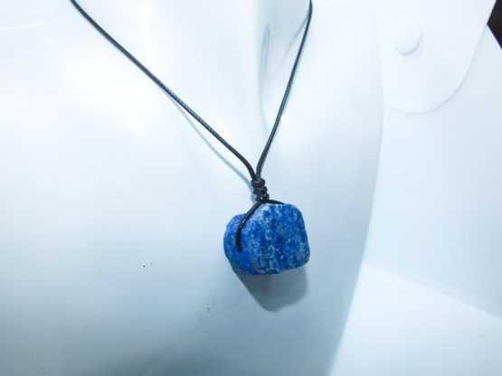 pendentif brut lapis lazuli