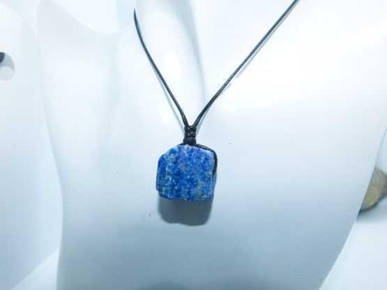 pendentif en lapis lazuli