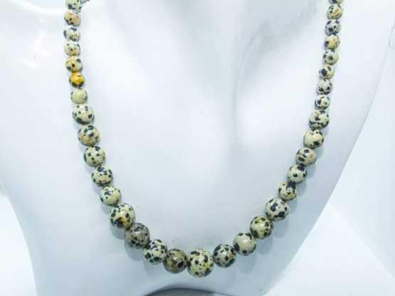 collier jaspe dalmatien