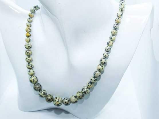 collier perles jaspe dalmatien