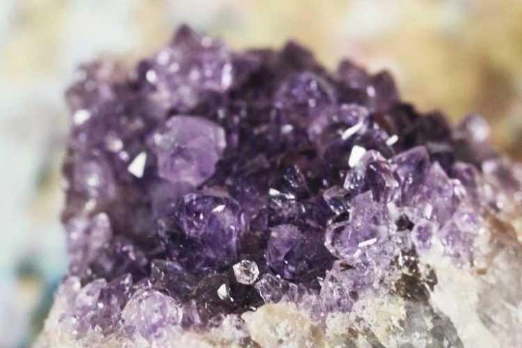 pierre brut améthyste